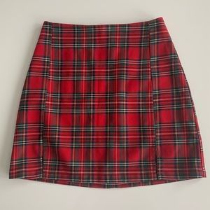 BRANDY MELVILLE RED PLAID MINI SKIRT SIZE SMALL